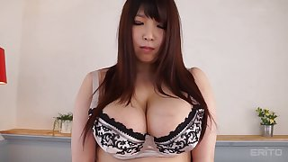 Plump Asian cutie loves showing off her amazing curves