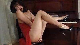 Stunning solo model debilitating high heels effectuation - Eri Kikuchi