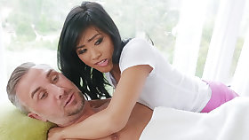 Chinese nubile entices a married man not later than rubdown